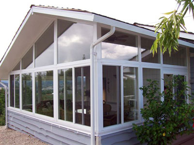 corner of aluminum sunroom