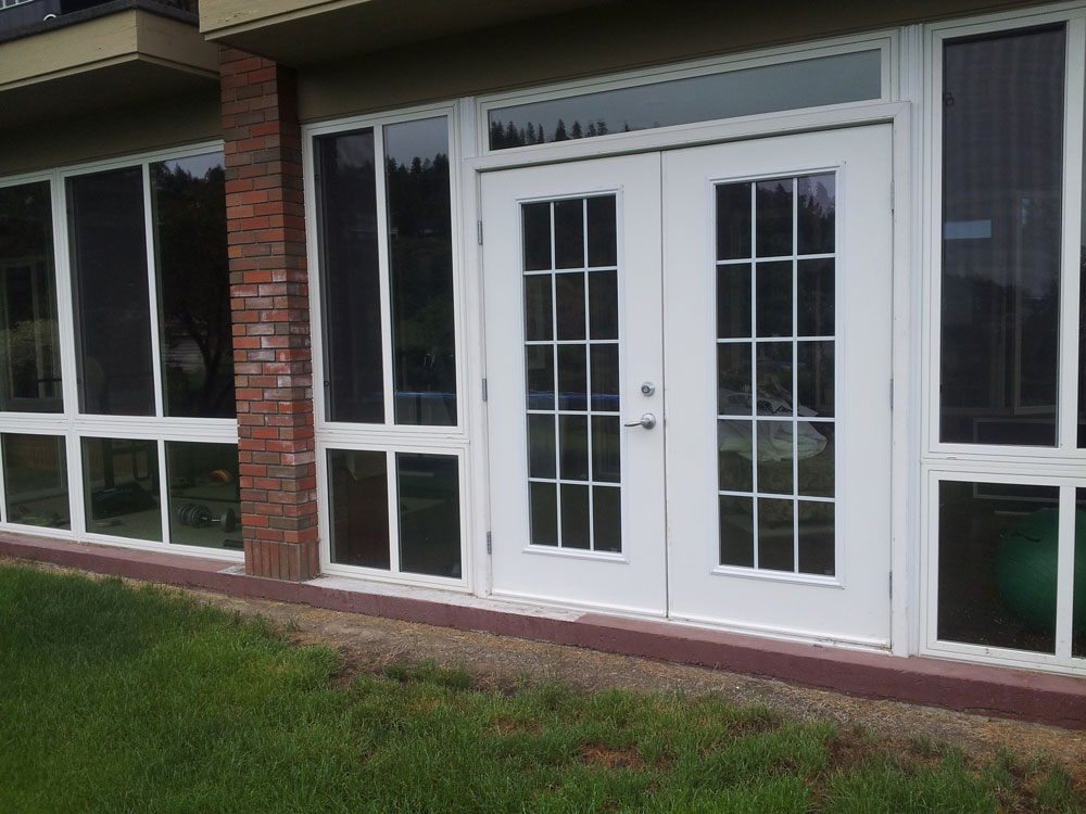 french doors to sunroom